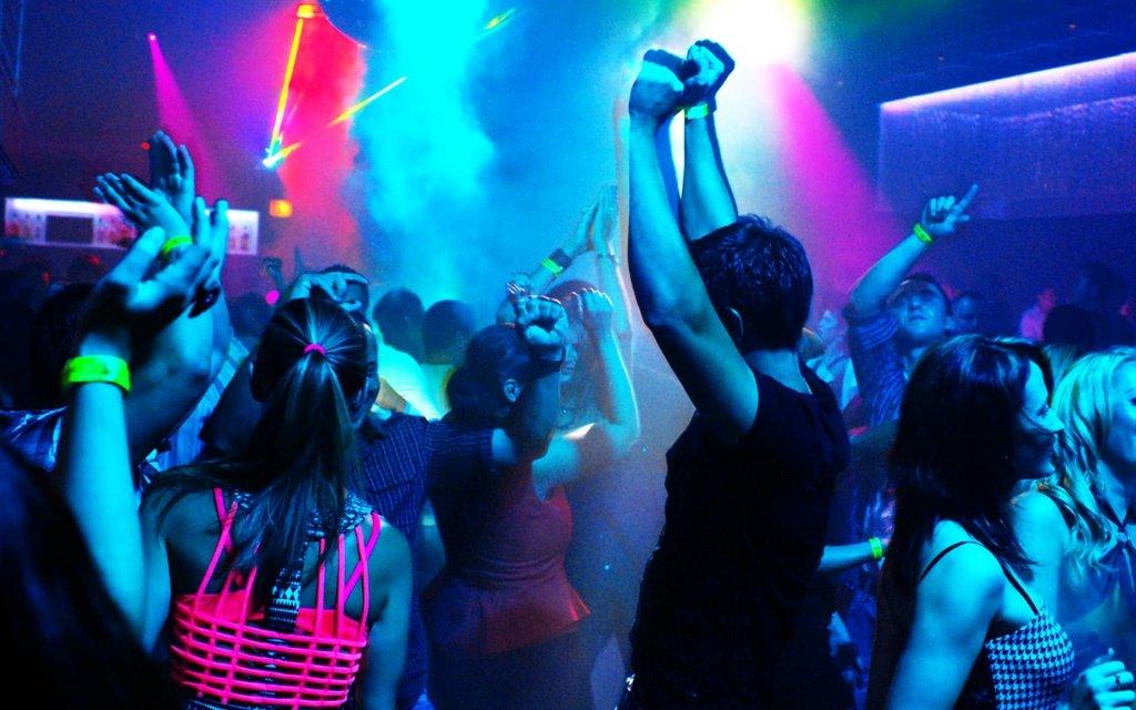Ночные клубы в г орша ночной клуб екатеринбурга малахит