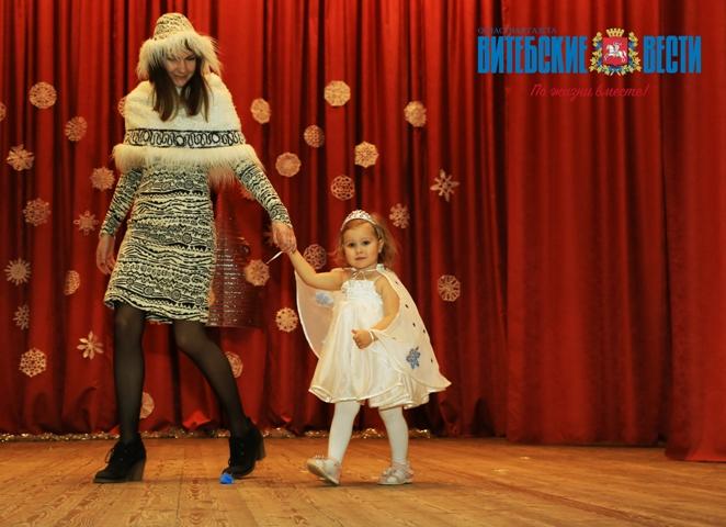 Пеппи Длинный чулок, Снежная Королева, Снежинка. В Витебске прошел конкурс новогодних костюмов, фото-1