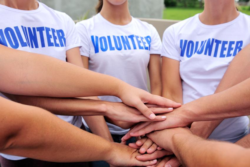 Сотрудники полиции совместно с волонтерами проводят профилактические мероприятия
