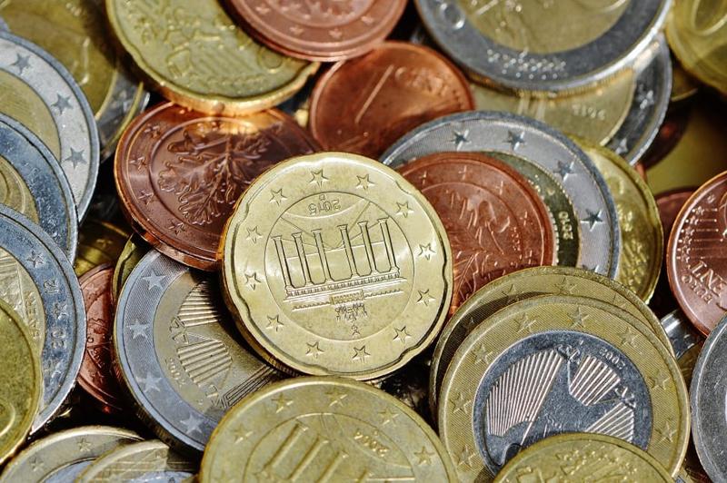 Где поменять железные евро в москве 20 копеек 1826 года цена
