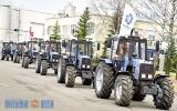 Более десятка новых тракторов поступили в хозяйство Витебского района к посевной