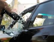 В Городке местный житель разбил несколько автомобилей на парковке во дворе