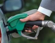 В Полоцком районе директор ЖКХ три года брал взятки и заправлял свое авто «лишним» топливом