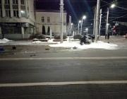 В центре Витебска водитель врезался в фонарный столб и погиб