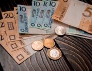 Средняя зарплата белорусов в 2018 году должна составить не менее 750 рублей