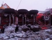 Грузовик с дизтопливом опрокинулся в Докшицком районе, произошла утечка тонны топлива
