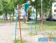 Уличные тренажеры во дворах Витебска набирают популярность среди горожан (ФОТО, ВИДЕО)