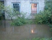 Из-за сильного дождя под Браславом затопило дворы частных домов