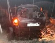 В Сенно автомобиль врезался в кирпичный столб