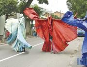 Стихи на заборе, пополнение музейного фонда и уличное шоу. В Витебске отметили 130-летие Шагала (+ФОТО, ВИДЕО)