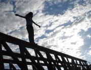 В Витебске омоновцы спасли девушку, которая хотела спрыгнуть с моста