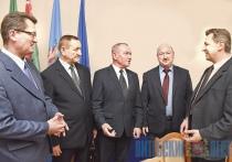 Реабилитацию, строительство памятника и участие в выборах обсудили воины-афганцы на встрече в облисполкоме