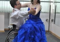 Танцы на калясках арганізавала для інвалідаў каталіцкае таварыства ў Віцебску
