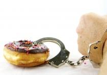 Диетологи назвали 5 основных причин пищевой зависимости