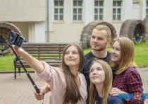 Поколение YouTube: каким интернет-кумирам поклоняется молодежь и на что подростки готовы ради лайков?