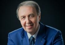 Главврачу Поставской ЦРБ Владимиру Чекавому люди уже 30 лет доверяют защищать их интересы в Советах разного уровня