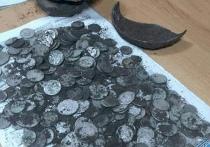В Глубоком нашли клад с монетами разных стран
