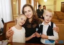 Более 1,3 тыс. многодетным семьям области назначен материнский капитал